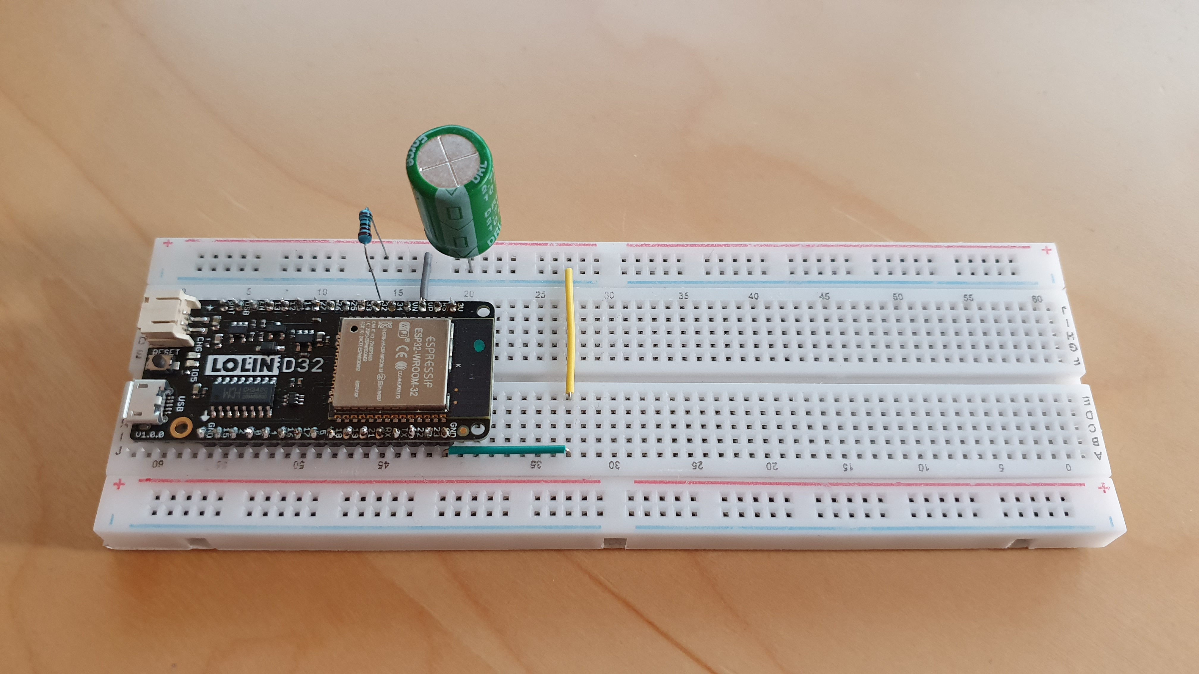 Capacitance meter using ESP32 and a resisitor